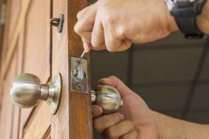 lock change (661) 210-1182